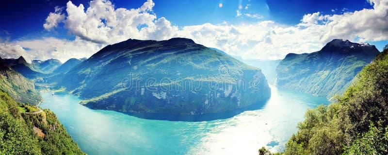 Beau panorama de paysage de fjord Geirangerfjord, Norvège image libre de droits