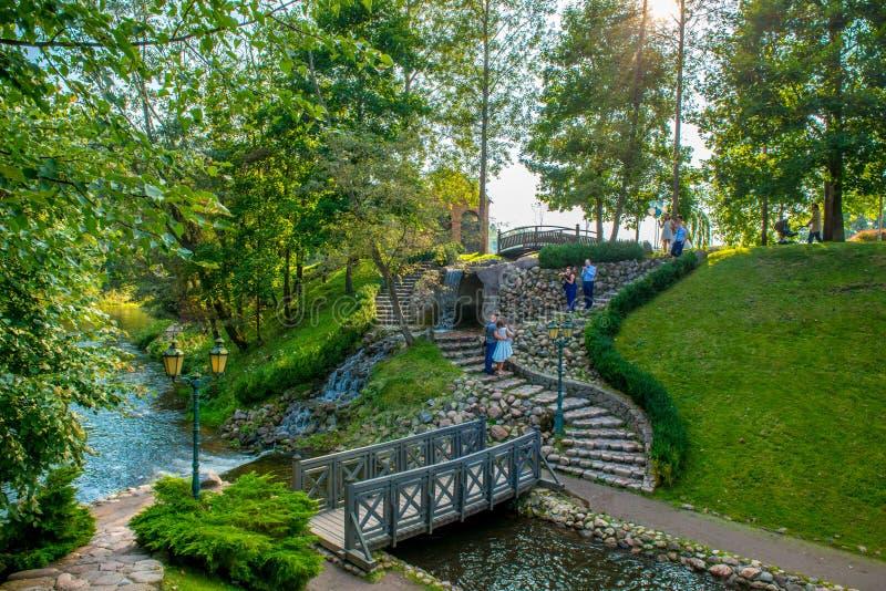 Download Beau parc de Belmontas image stock éditorial. Image du étang - 77159384