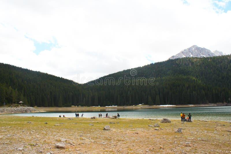 Beau parc national de Durmitor Cr?te de Meded, et lac noir, jezero de Crno, Zabljak photo stock