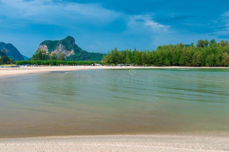 Beau paysage asiatique lumineux image stock