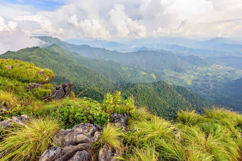 Beau paysage au Chi fa Forest Park de Phu images stock