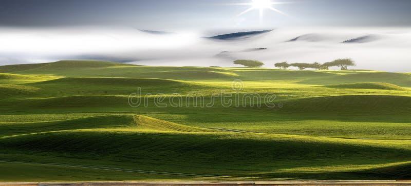 Beau paysage avec la couleur gentille et les nuages photo libre de droits