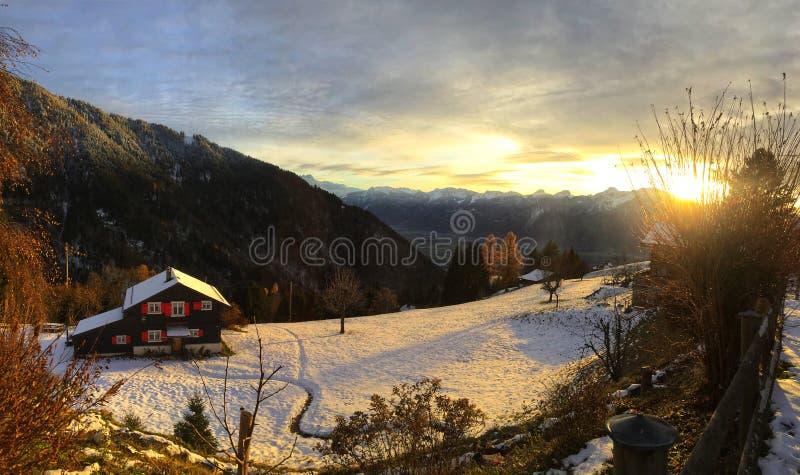 Beau paysage d'hiver en Suisse, l'Europe photo stock