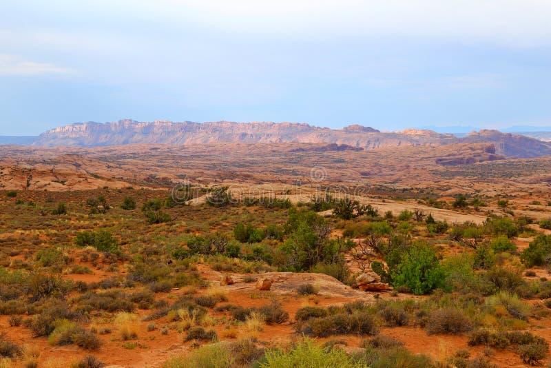 Beau paysage dans des couleurs naturelles au parc national de voûtes en Utah photographie stock