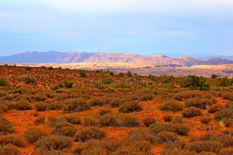 Beau paysage dans des couleurs naturelles au parc national de voûtes en Utah image libre de droits