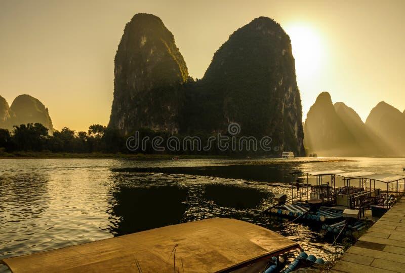 Beau paysage de fleuve de lijiang photos stock