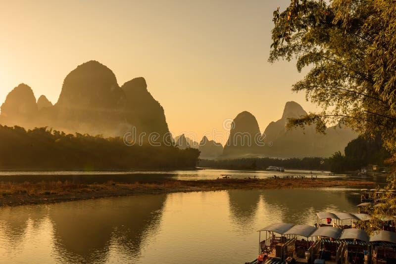 Beau paysage de fleuve de lijiang image libre de droits