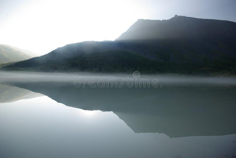 Download Beau Paysage De Montagne Près Du Lac Montagnes Corses De Montagne De Lac De Laque Du Creno De France De La Corse Genre De Terrain Image stock - Image du intervalle, bleu: 87707317
