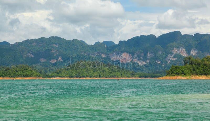 Beau paysage de parc national de sok de Khao au suratthani image libre de droits