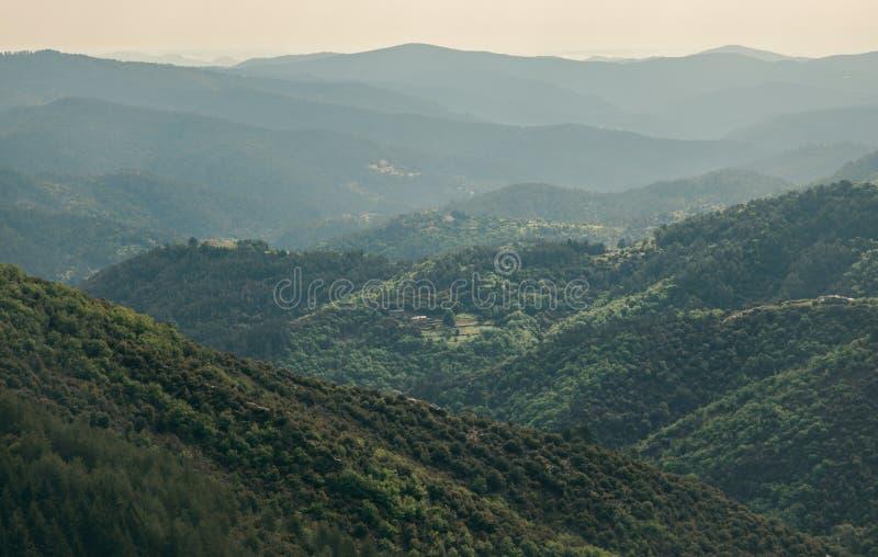 Beau paysage de parc de réservation naturelle dans Cevennes, France photos stock