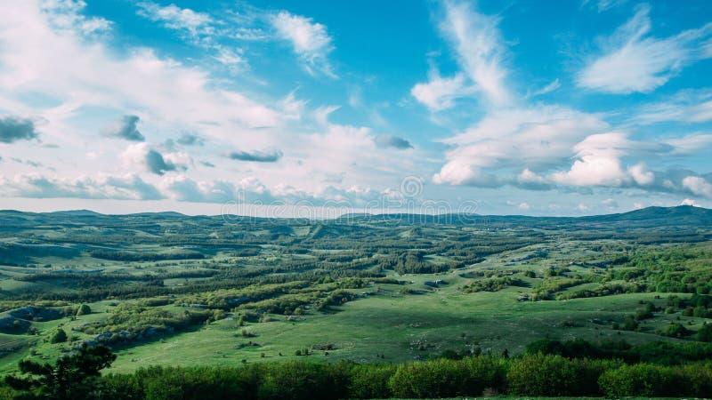 Beau paysage de plateau d'AI-Pétri en montagnes de la Crimée photographie stock libre de droits