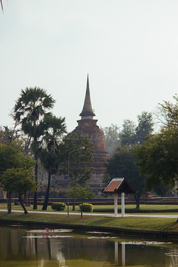 Beau paysage de temple antique dans le sukhothai-historypark, Sukhothai, Thaïlande photographie stock