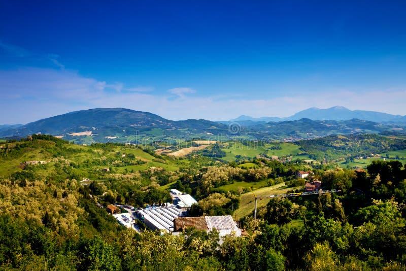 Download Beau paysage de Toscane photo stock. Image du ferme, ressort - 77158552