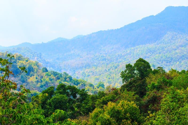 Beau paysage du haut d'une colline en Thaïlande image stock
