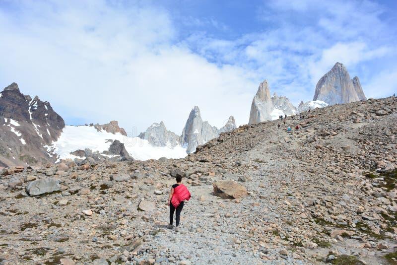 Download Beau Paysage En Parc National De Visibilité Directe Glaciares, EL Chaltén, Argentine Photo éditorial - Image du national, stationnement: 87705176