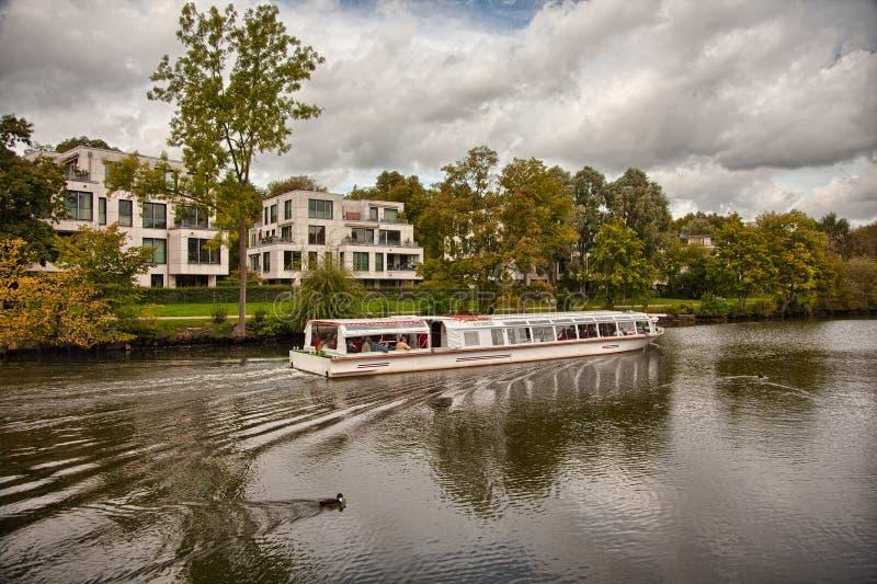 Beau paysage et voies d'eau à Lübeck, Allemagne photos stock