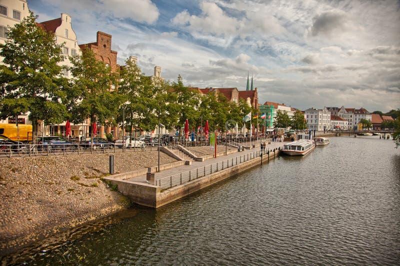 Beau paysage et voies d'eau à Lübeck, Allemagne image libre de droits