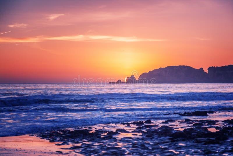 Beau paysage magique renversant d'océan, côte du Portugal, t photographie stock libre de droits