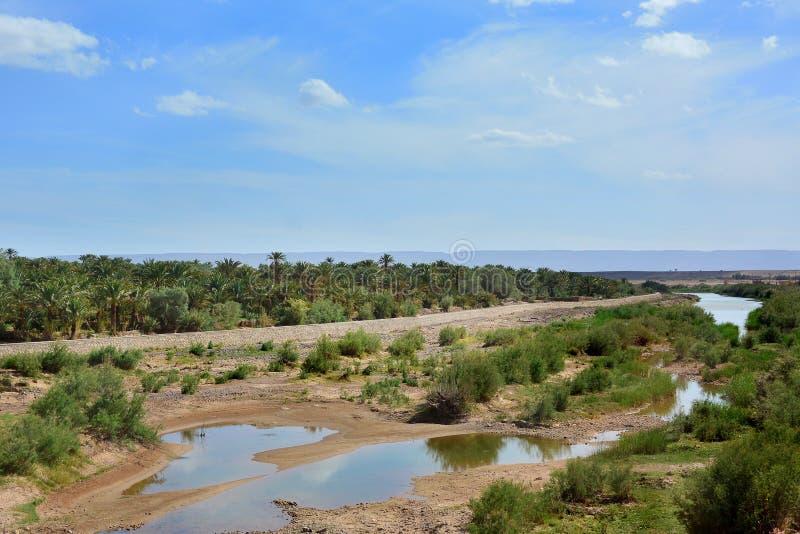Beau paysage, rivière au Maroc photos libres de droits