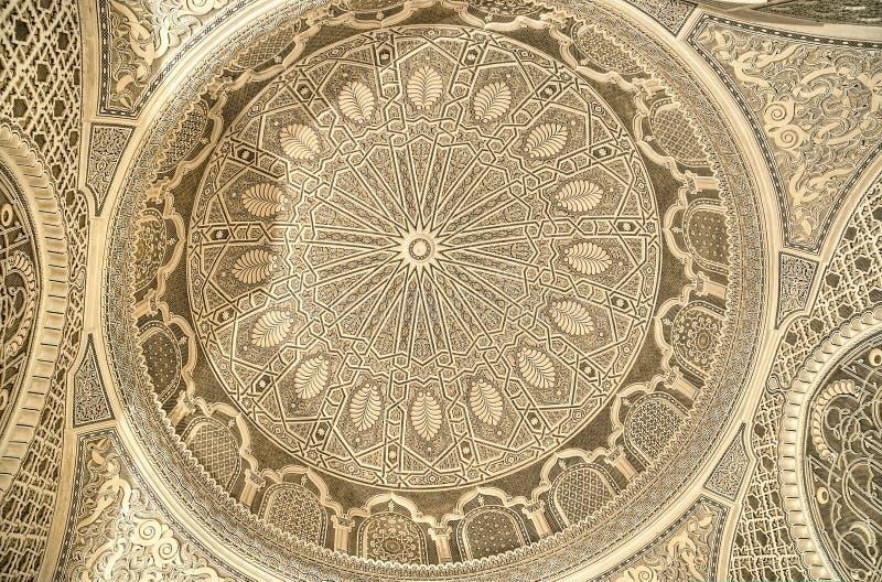 Beau plafond de la mosquée dans Kairouan photographie stock libre de droits