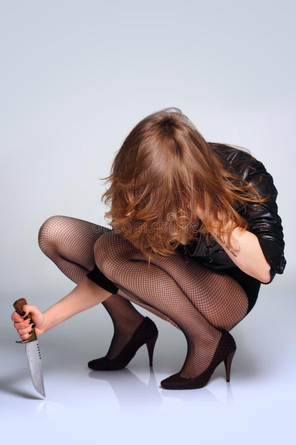Beau Prédateur Sexy De Femme Avec Le Couteau Photos stock
