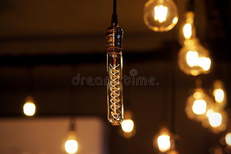 Beau rétro décor de allumage - lampes à lueur en verre image stock