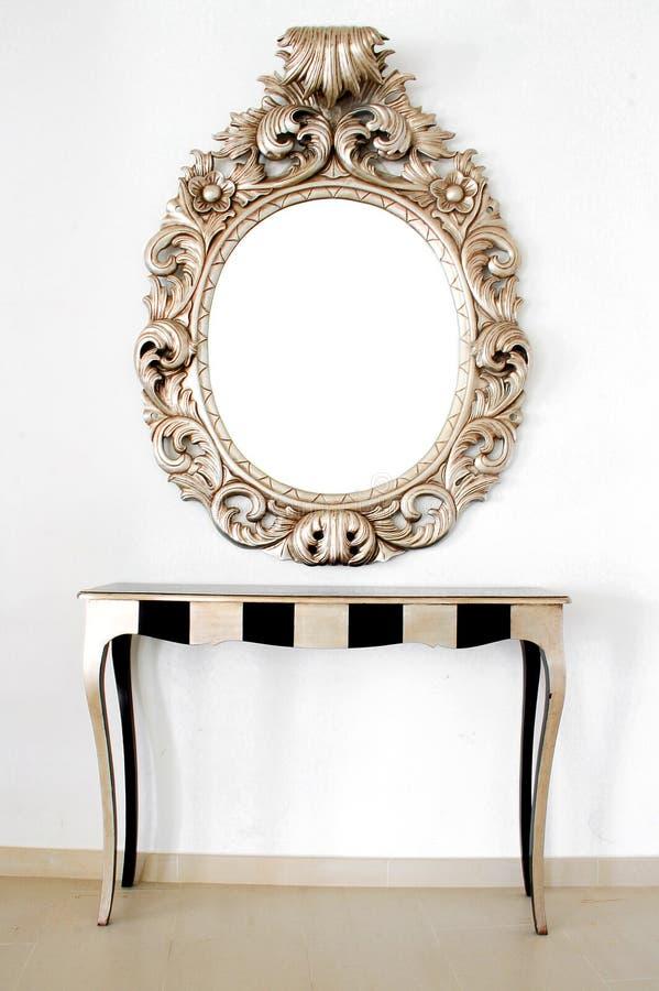 Beau rétro miroir baroque photo stock