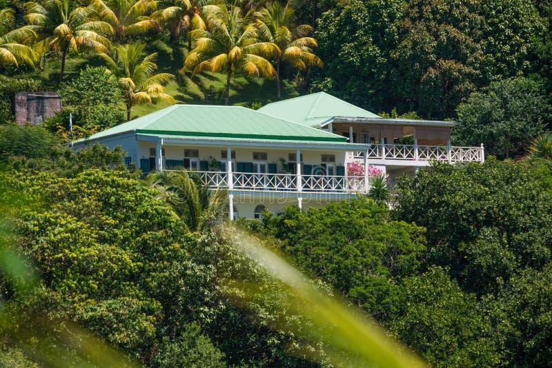 Beau Rive semesterort i Dominica för orkanMaria skada royaltyfria bilder