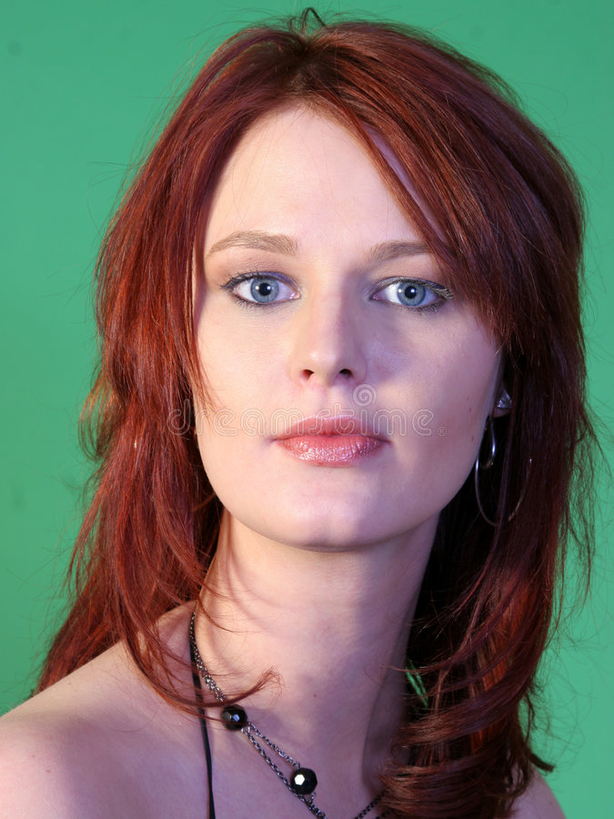 Beau roux aux yeux bleus photo stock