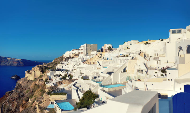 Beau Santorini en Grèce, vue panoramique de village d'Oia photos libres de droits