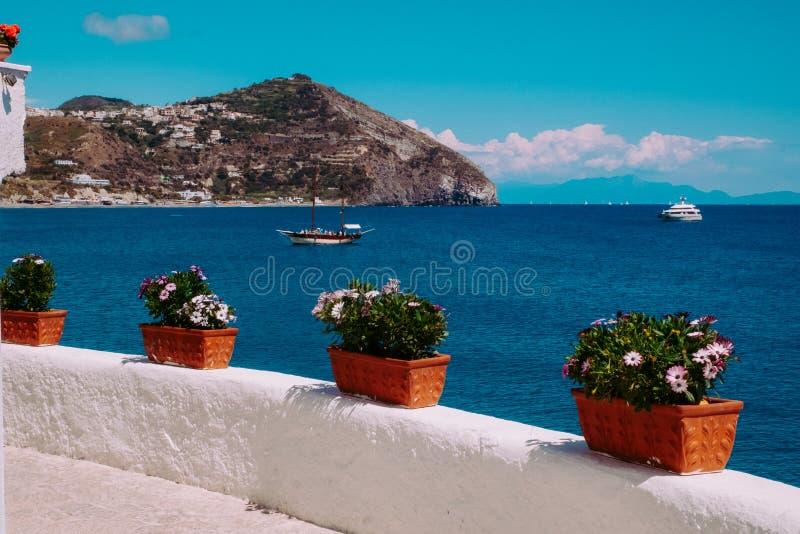 Beau seaview en Sant Angelo, ischions, Italie Ischions, Italie photo libre de droits