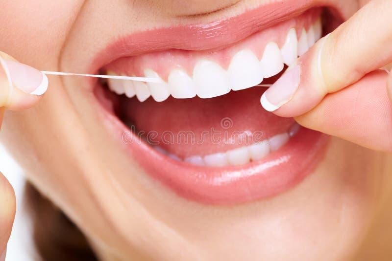 Beau sourire de femme. image libre de droits