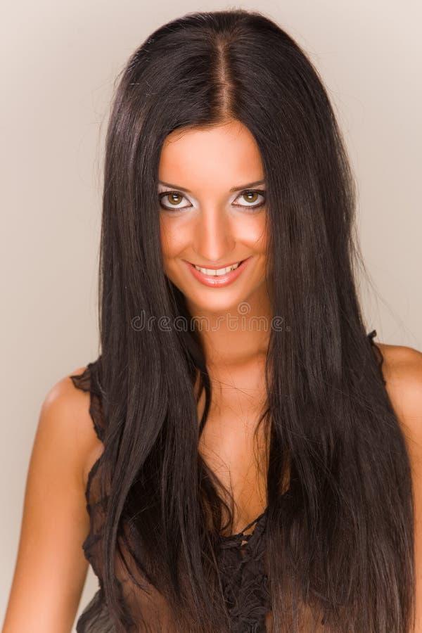 beau sourire de fille de brunet photo stock