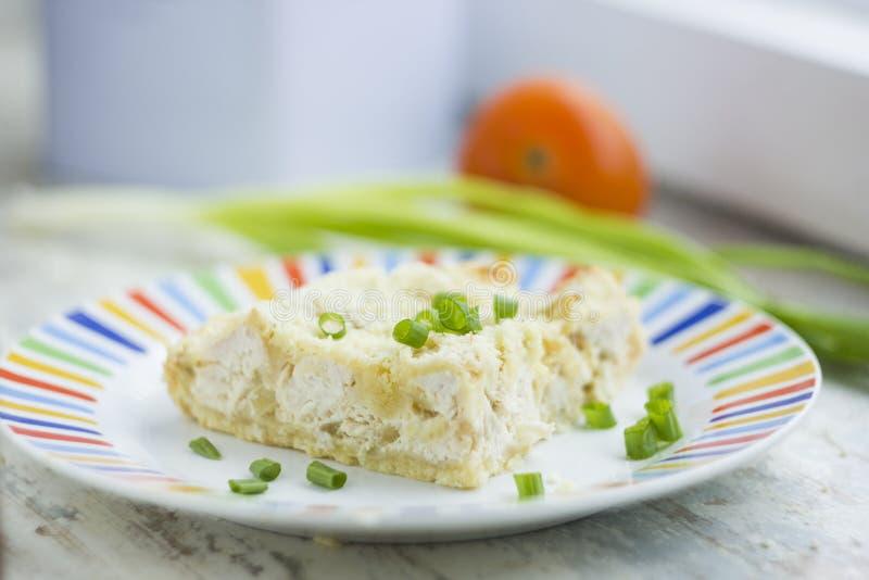 Beau tarte avec le poulet et le fromage photo stock