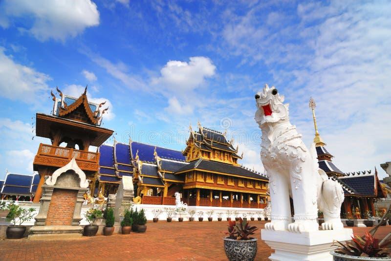 Beau temple étonnant (temple de repaire de Wat Ban) dans Chiangmai Thail photo stock