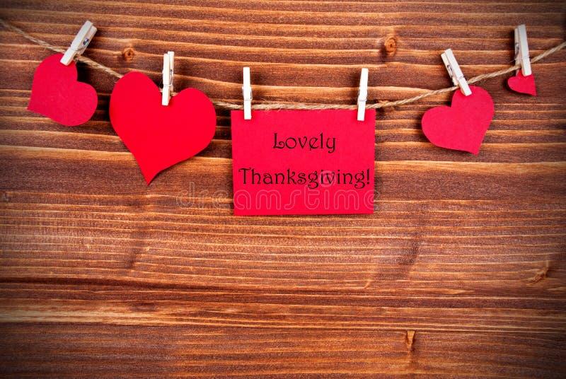 Beau thanksgiving sur un label rouge avec des coeurs photo libre de droits