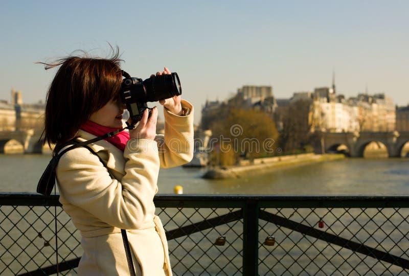 Beau touriste à Paris photo stock
