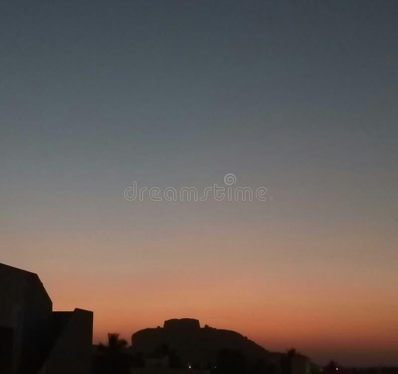 Beau tri ciel coloré images stock