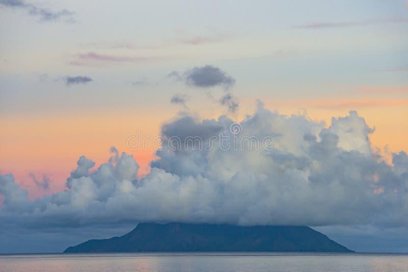 Beau Vallon-zonsopgang, Seychellen stock afbeeldingen
