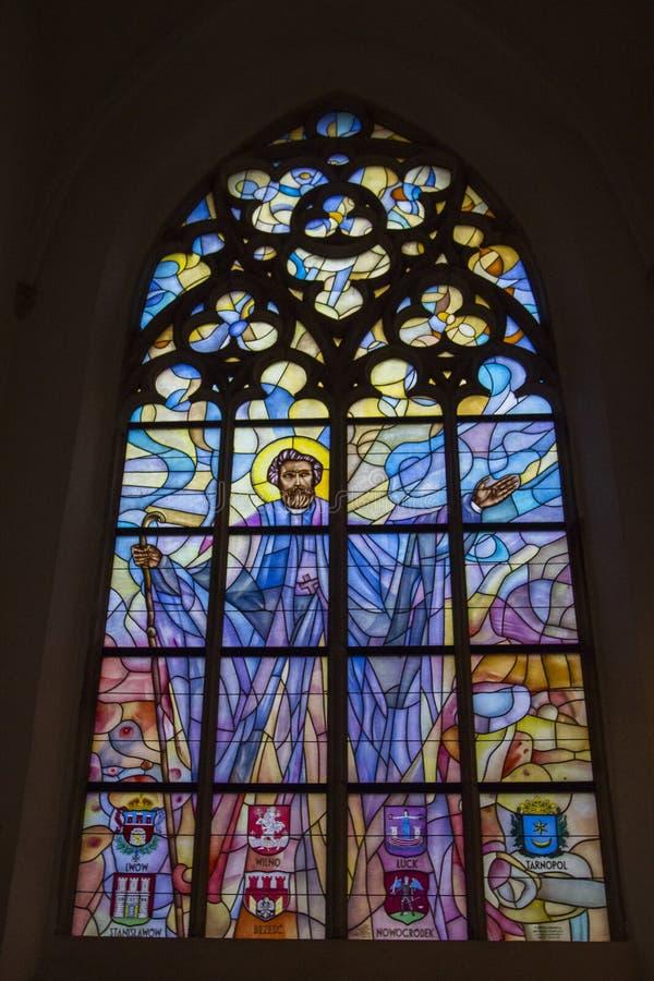 Beau verre souillé à l'intérieur de l'église de St Mary Magdalene à Wroclaw poland photos stock