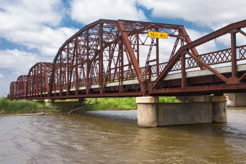 Beau vieux pont en fer sur vieux Route 66 images stock