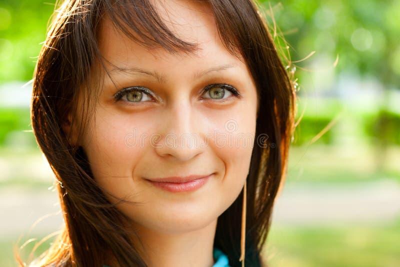 Beau visage de femme de plan rapproché photographie stock