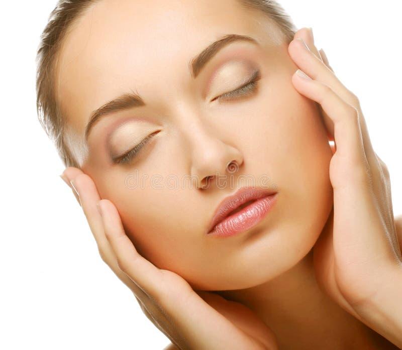 Beau visage de femme de santé avec la peau propre de pureté images stock