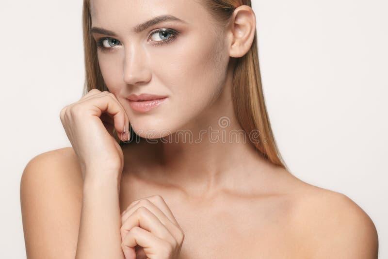 Beau visage de fille Peau parfaite image stock