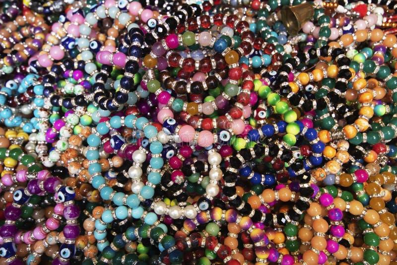 Beaucoup bracelet perlé modelé ensemble photo libre de droits