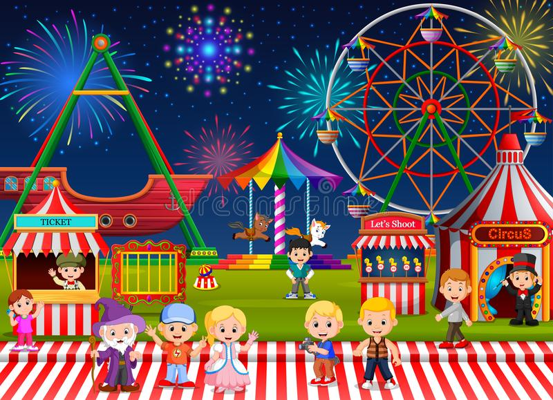 Beaucoup d'enfants et travailleur de personnes ayant l'amusement dans le parc d'attractions la nuit illustration stock