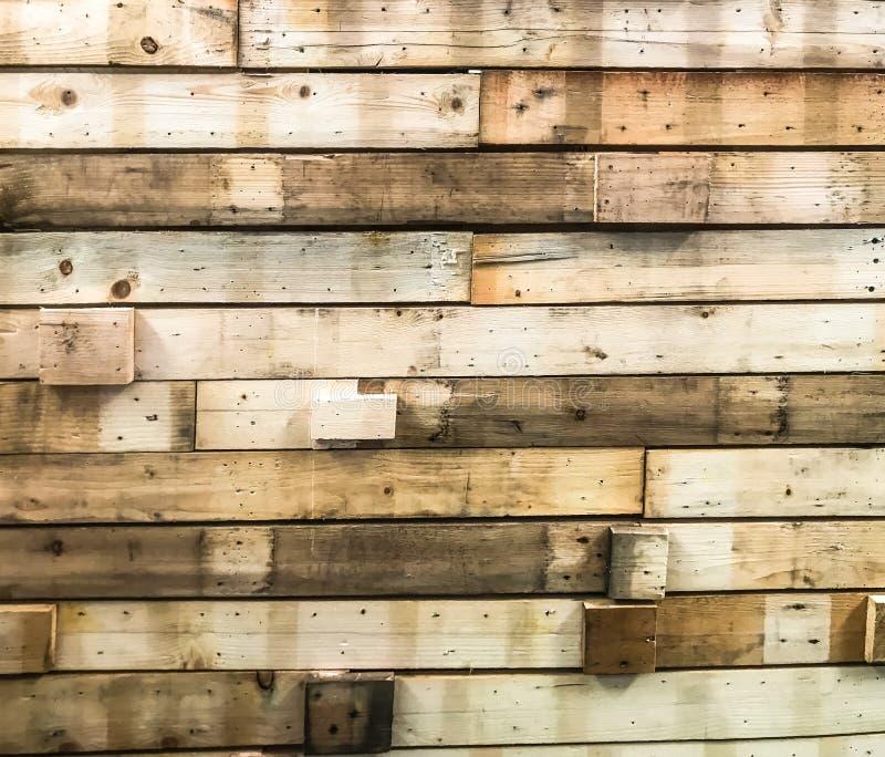 Beaucoup de bois durs ont cloué ensemble dans un mur images libres de droits