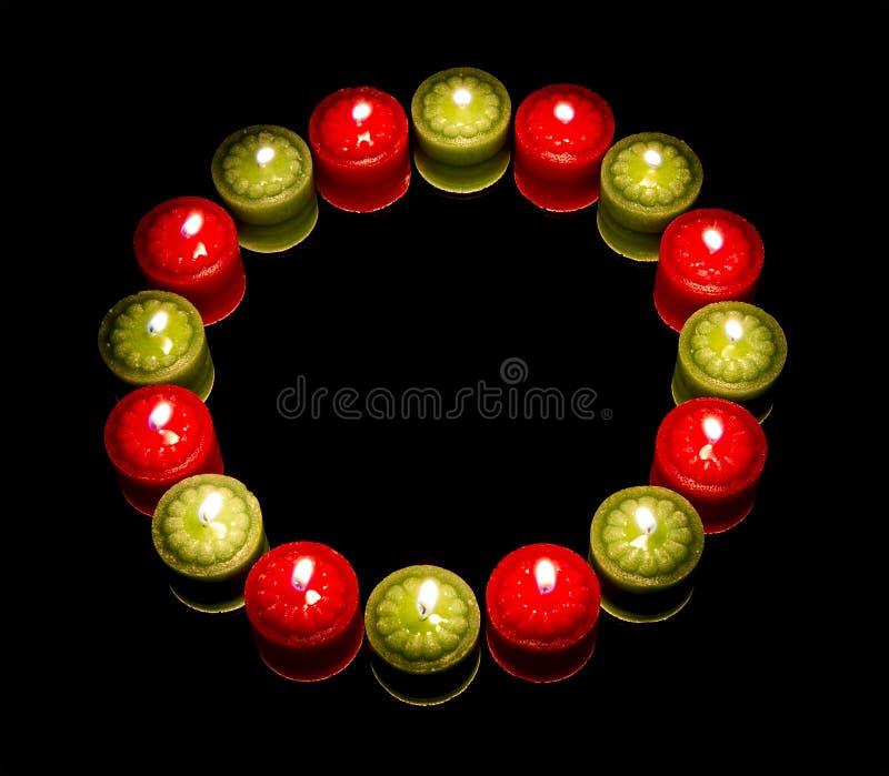 Beaucoup de bougies sur le cercle photo stock