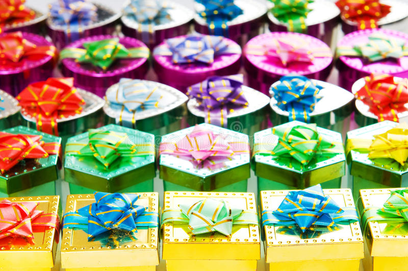 Beaucoup de cadres de cadeau colorés photos libres de droits