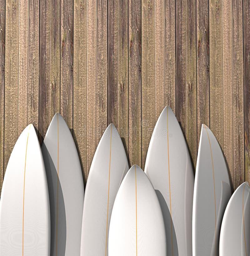 Beaucoup de différentes planches de surf vides se tenant dans une rangée sur un mur en bois illustration libre de droits